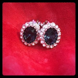 Jewelry - Clip on crates sapphire earrings💎💙💎